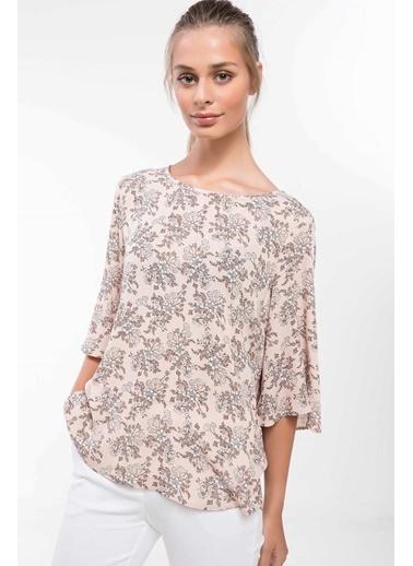 DeFacto Kolları Volan Detaylı Çiçek Desenli Bluz Pembe